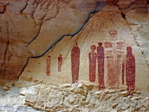 Image from cave from Utah, wall figures